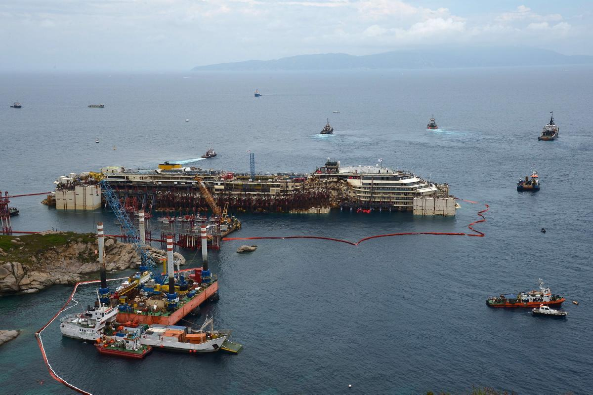 costa-concordia-refloated-2-years-tragedy.jpg