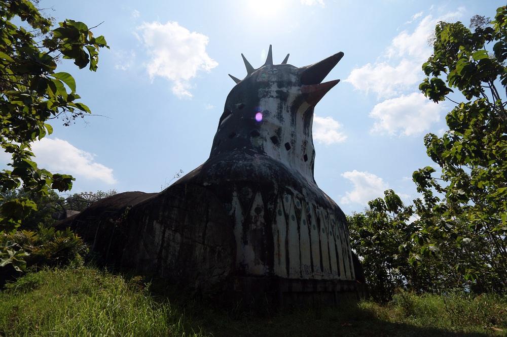 gereja-ayam-bagian-depan-gereja.jpg