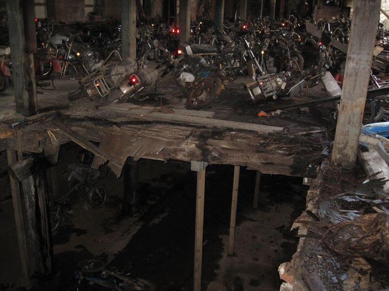 motorcyclegraveyard5.jpg