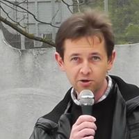 Forradalmi beszédet mondott a röszkei határon a helyi plébános