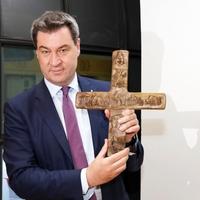Keresztények-e a keresztény nevű pártok?