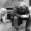 Hajléktalanok tömegét gondozza félezer fiatal