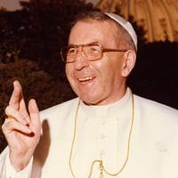 Titkolni kellett, hogy ki talált rá a halott pápára