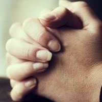 Így NEM imádkoznak a britek