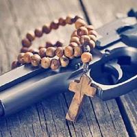 Fegyvert kérnek a papok