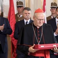 A legrangosabb állami kitüntetésben részesült Erdő Péter