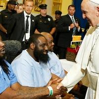 Börtönbe megy a pápa, már megint