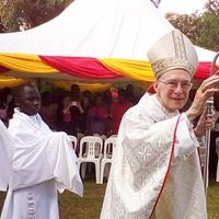 Tényleg afrikai misszionárius lesz a pápa hazai nagykövete
