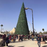 Muszlimok adományoztak karácsonyfát az iraki keresztényeknek