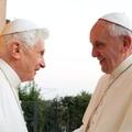 Milyen ruhát (ne) hordjon a visszavonult pápa?
