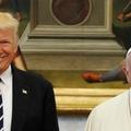 Trump és Ferenc – ha a fényképek beszélni tudnának...