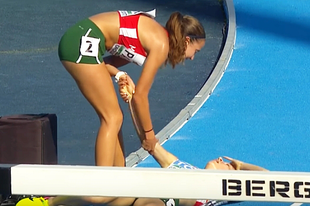 Erről szól a sport: megállt a futó, hogy elesett társán segítsen