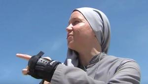 Görkorcsolyás apácák sokkolják az amerikai turistákat
