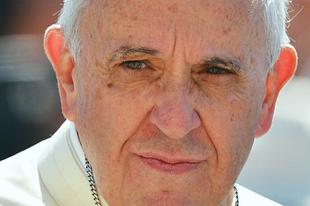 Ferenc pápa: A jövőnk nem a politikusok kezében van