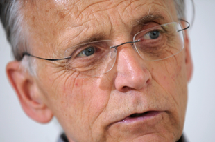Paul M. Zulehner: A burkáról szóló vita figyelemelterelés