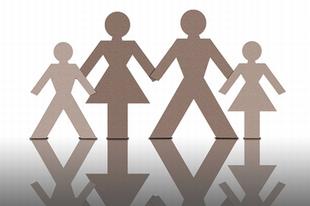 Mit adjon az egyház a családoknak? Például családos papokat.