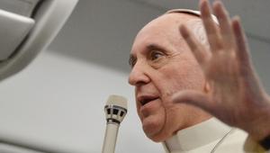 Két pápa van? Jönnek a papnők? Szétesik Európa? Isten szereti a melegeket? Aki válaszol: Ferenc pápa