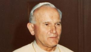 39 éve van féleleműző pápánk