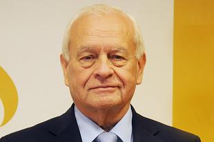 Harrach Péter: Tisztelem a pápát, de van, amiben nem értünk egyet