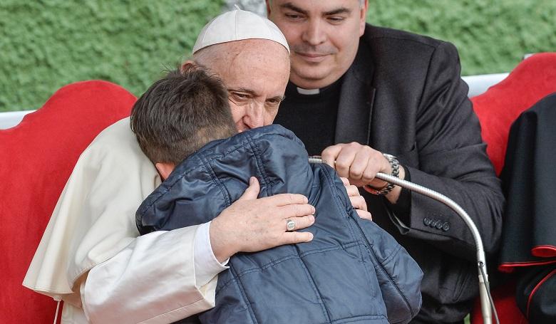 web3-pope-francis-little-boy-silvia-lore-nurphoto.jpg