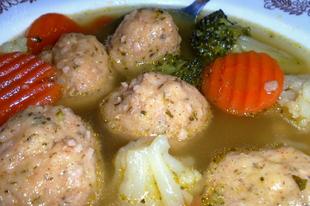 Gyömbéres-sonkás krumpligombócleves
