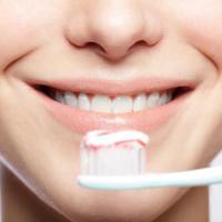 Te tudtad?! - Ezt jelenti a fogkrémes tubuson lévő színes csík!