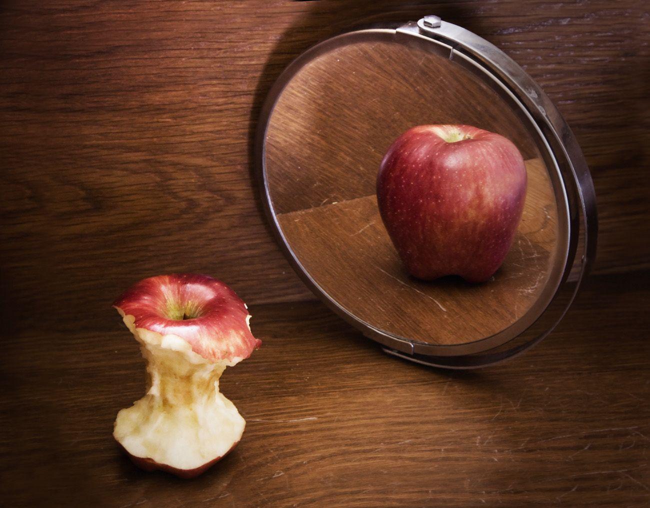an_apple.jpg