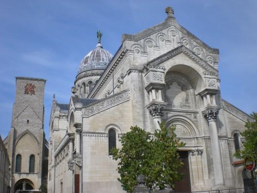 tours_saint_martinbazilika.JPG
