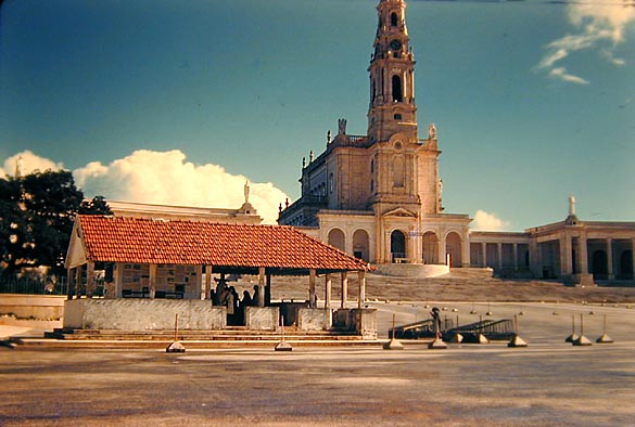 regi_fatima-basilica_1.jpg