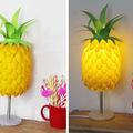 Extravagáns ananászlámpa kanalakból