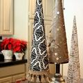 Nemes szövettel borított karácsonyfák