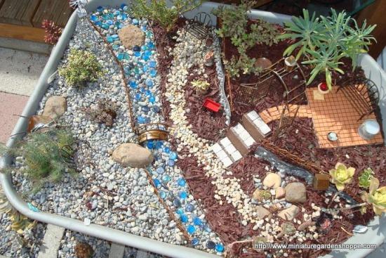 miniature garden 2 (5).JPG