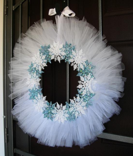 snowflake tulle wreath pic 2 edited.jpg