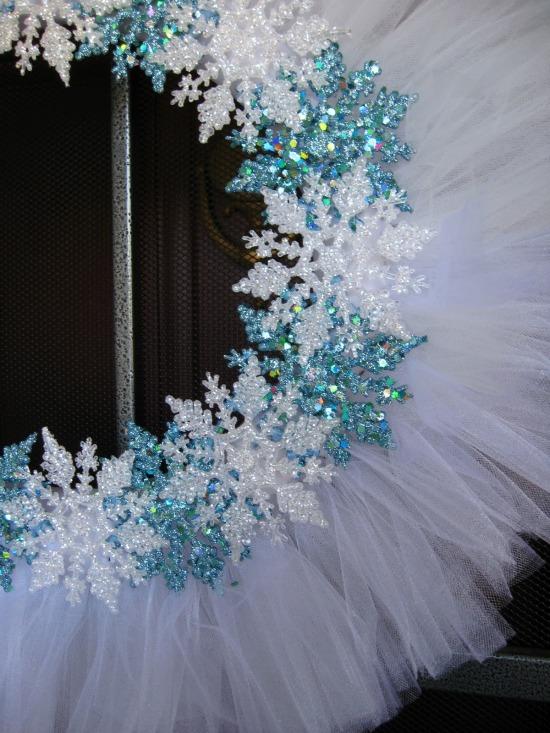 snowflake tulle wreath pic 3 edited.jpg