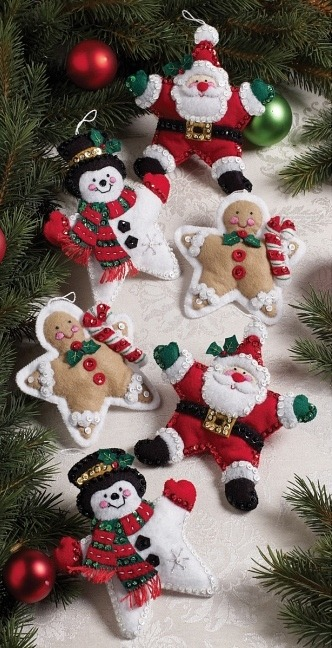 christmas-stars-felt-ornaments-kit.jpg