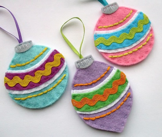 03da7_felt_christmas_ornaments.jpg