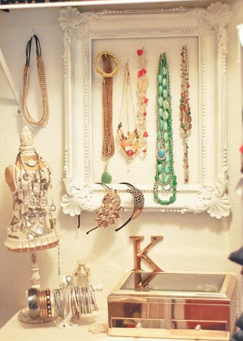 jewelryframe.jpg