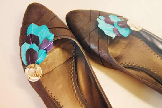 feather-shoe-clips.jpg