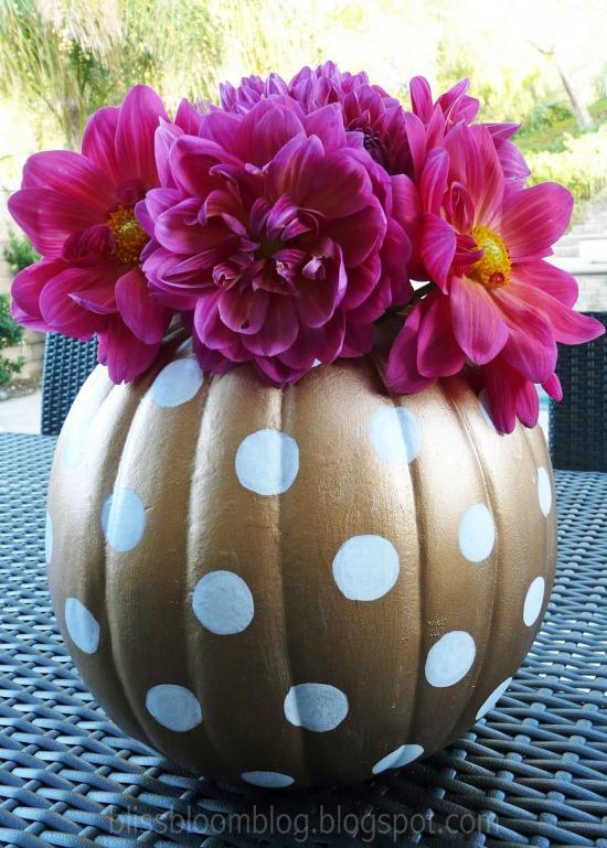 polka dot pumpkin vase 1.jpg