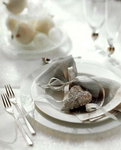 christmas-holiday-table-decorations-8.jpg