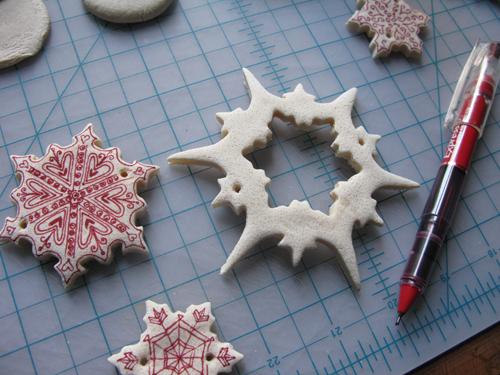 decorating-salt-dough-ornaments.jpg