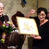 Kubik Annát hatvanadik születésnapján a Csokonai Színház társulata köszöntötte