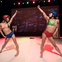 Simkó Beatrix és Jenna Jalonen közös koreográfiája az avignoni fesztivál programjában