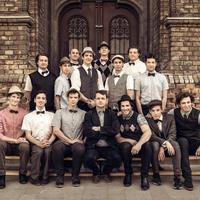 Most belehallgathat A Pál utcai fiúk zenéjébe