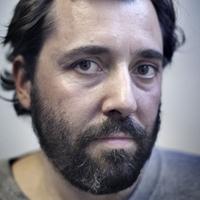 Savat öntöttek a színpadra Schilling darabja után Varsóban