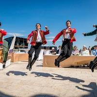 """""""Táncos anyanyelvünk a Kárpát-medencében élő népek hagyományos tánckultúrája"""""""