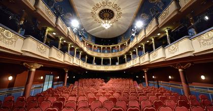 Állás – Világosítót keres az Újszínház