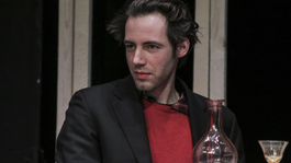 Porogi Ádám főszereppel jelentkezik be a Radnóti Színházba