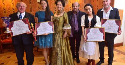 Konferencia és díjeső a Magyar Operett Napján