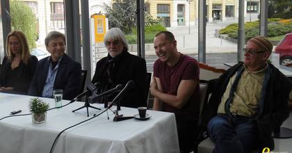 Magyar évadot hirdetett a Pannon Várszínház